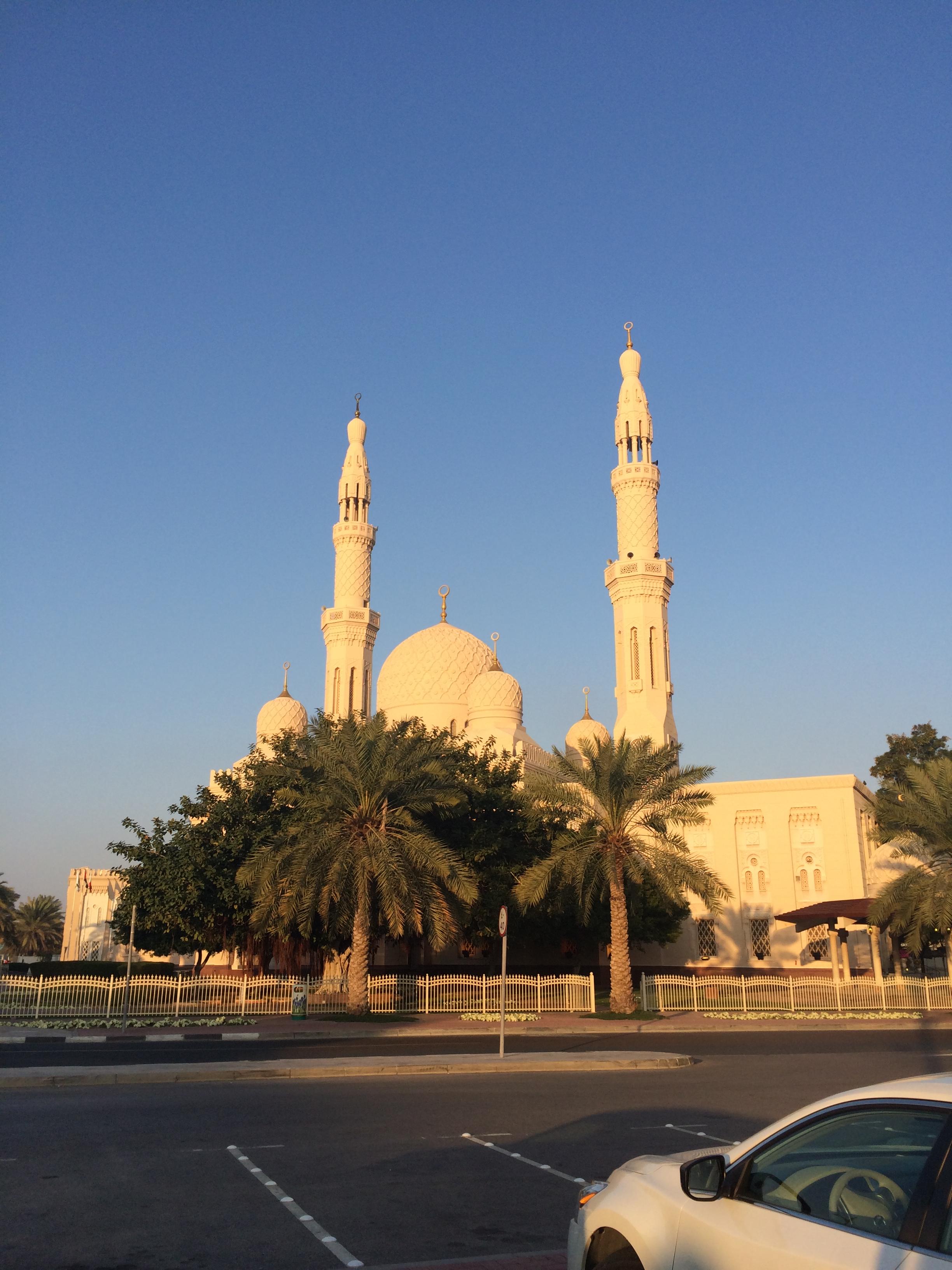阿联酋7日跟团游<【沙漠玫瑰】郑州起止 深度沙迦+蓝色清真寺 A54>